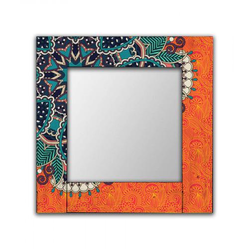 Зеркало в деревянной раме Крозе