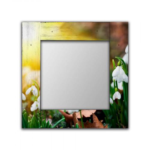 Настенное зеркало Подснежники