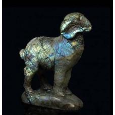 Скульптура Баран из лабрадора